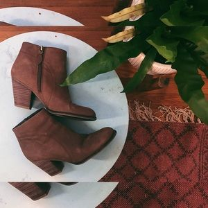 FRANCO SARTO | Suede Ankle Boots